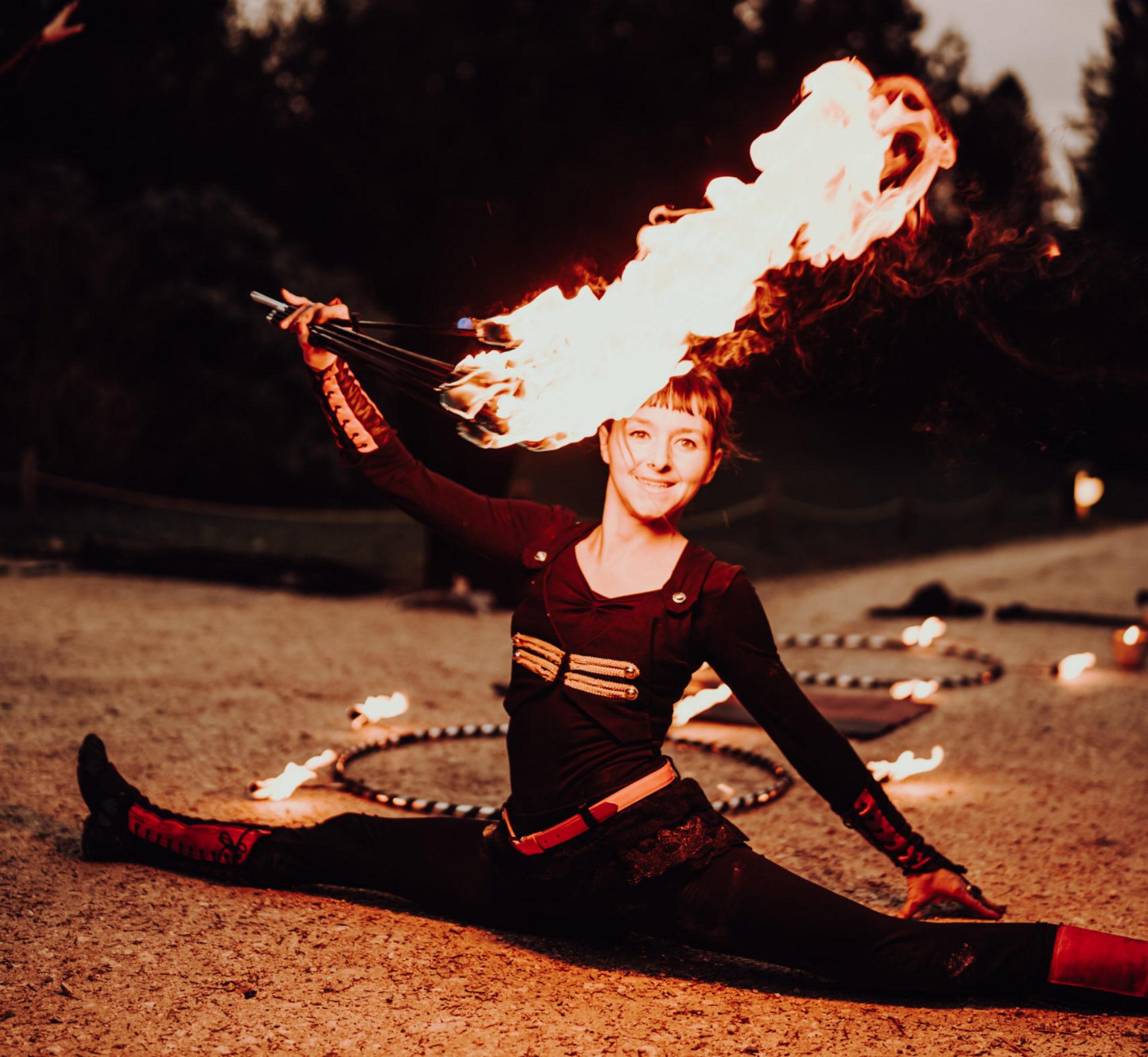 Pandora Feuershow Artistik